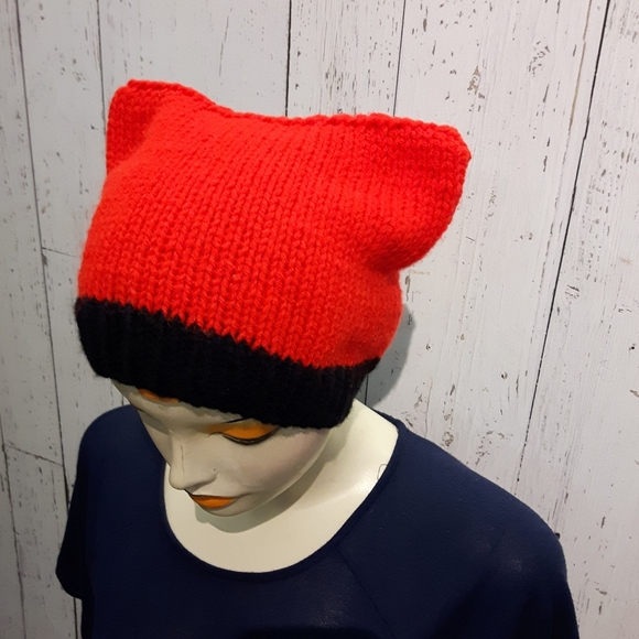 ⭐2/35$⭐Handknit cat hat red & black